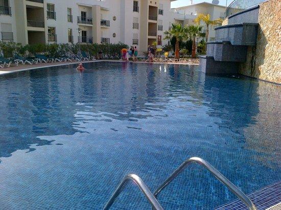 Encosta da Orada: Pool had a great water feature.