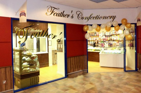 Уэйкфилд, UK: visit  feathers confectionery  riding centre wakefield