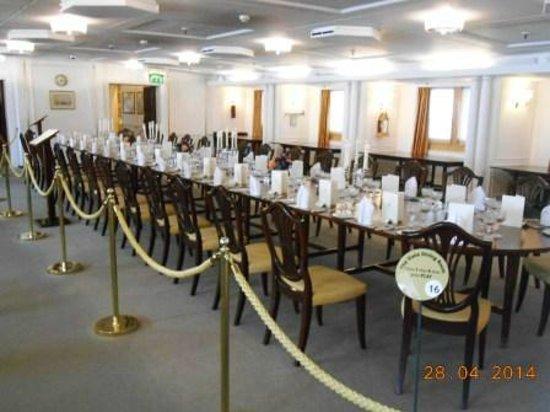 Royal Yacht Britannia: State Dining hall