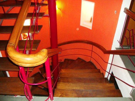 Tashi Thendup Hotel : Lovely Stairs