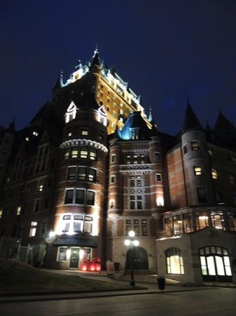 Fairmont Le Chateau Frontenac : beautiful by day or night!