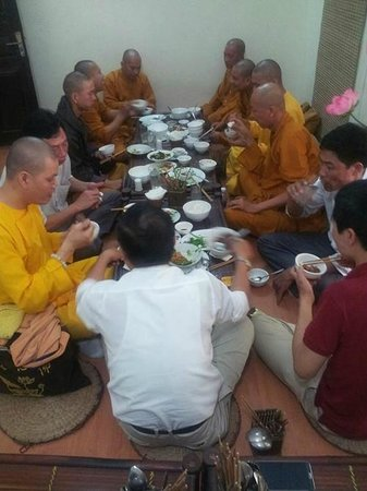 Cơm Chay An Phúc: My friend and monk had luch in An Phuc