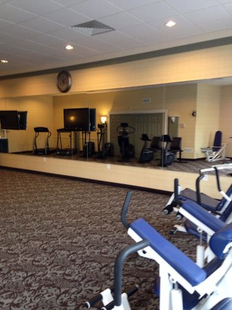 BEST WESTERN Summit Inn : Large clean and adequate fitness room