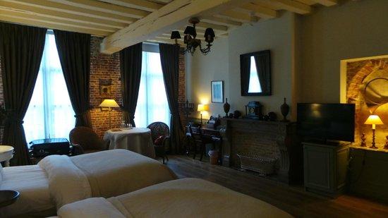 Hotel De Tuilerieen: La chambre