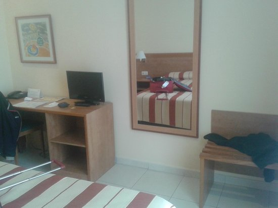 Hotel Marvi : CAMERA