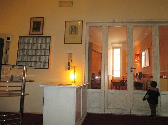Hotel Savonarola : recepcion