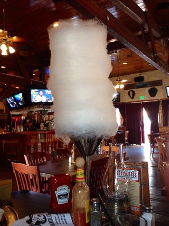 Saddle Ranch Chop House: Mountain of cotton candy!!