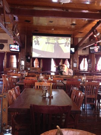 Saddle Ranch Chop House: Ride the bull, sit outside, drink & listen to the music!!!