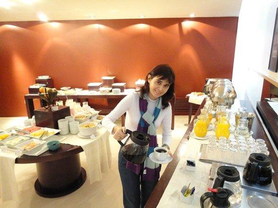 Tryp Montevideo Hotel: Breakfast