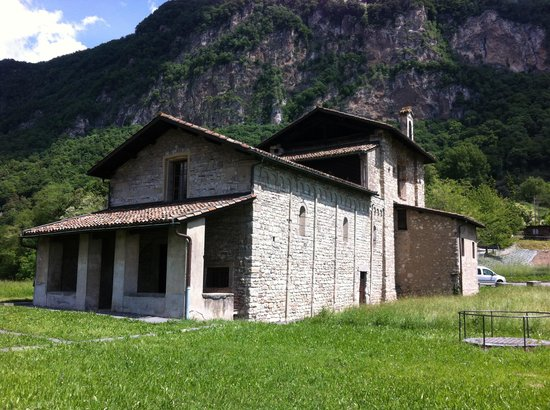 Hotel Morgana : Eglise Romane de St. Martino