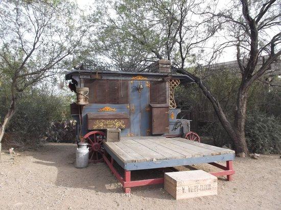 Old Tucson: Elixir.