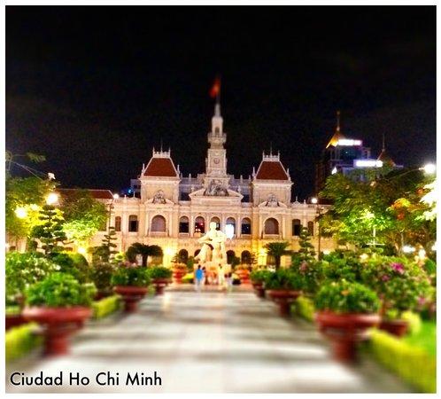 Liberty Central Saigon Centre Hotel: Muy cerca del hotel