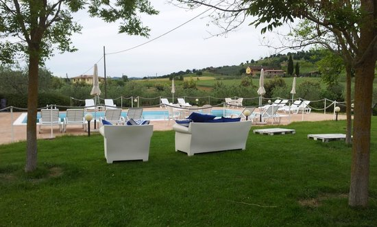 Agriturismo Casale Le Selvette: piscina