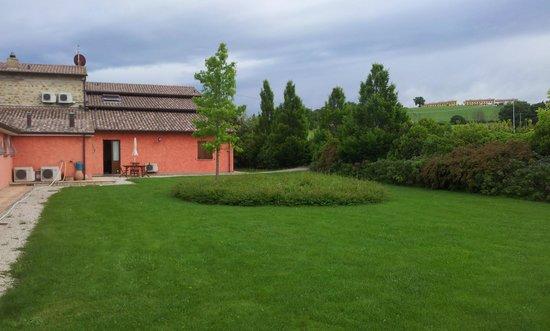Agriturismo Casale Le Selvette: giardini