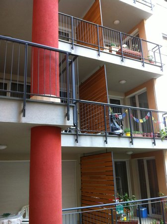 Nova Apartments : Balcones