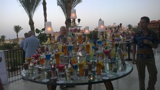 Radisson Blu Resort, Sharm El Sheikh: cocktails at dusk