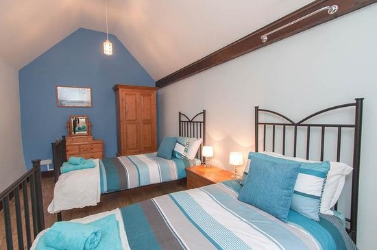 Blue Ball Lodge: Large Twin with views over Countryside