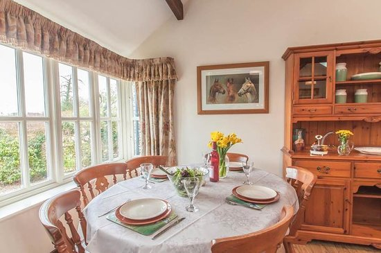 Blue Ball Lodge: Dining area with far reaching views