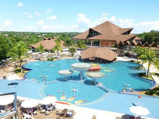 Recanto Cataratas Thermas Resort & Convention: Vista da piscina externa.