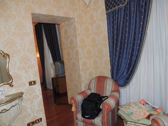Hotel Eliseo: room
