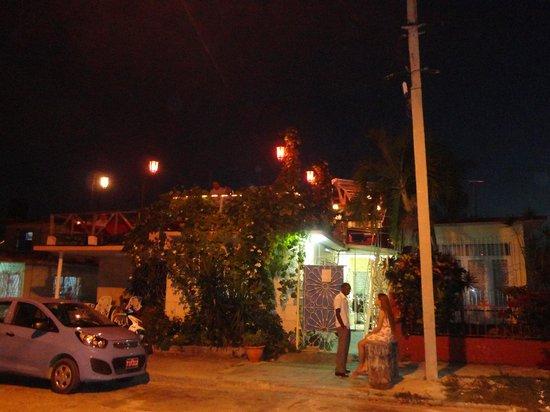 La Vaca Rosada: Le resto vu de l'extérieur