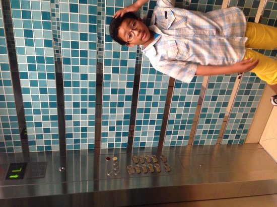 Sunway Pyramid Hotel East - TEMPORARILY CLOSED: inside an elevator
