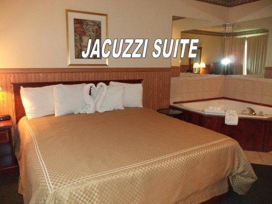 Baymont Inn & Suites Chicago/Calumet City: Jacuzzi