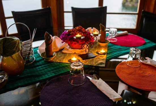 Kaalpul Atitlan Eco Hotel & Spa: Dining with a view!