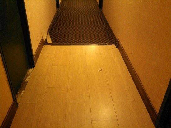 Days Inn Plymouth West/minneapolis: Not too clean