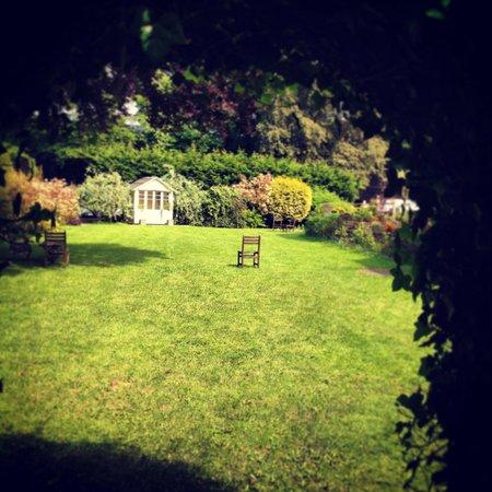 The Shelleys: Gardens