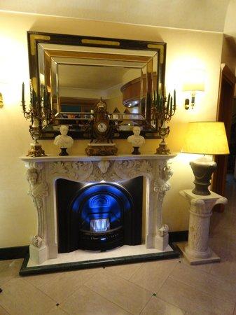 Hotel Colonna: l'ingresso dell'hotel