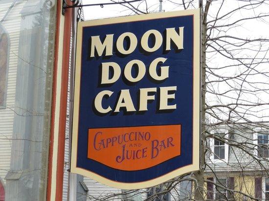 Moon Dog Cafe: Sign