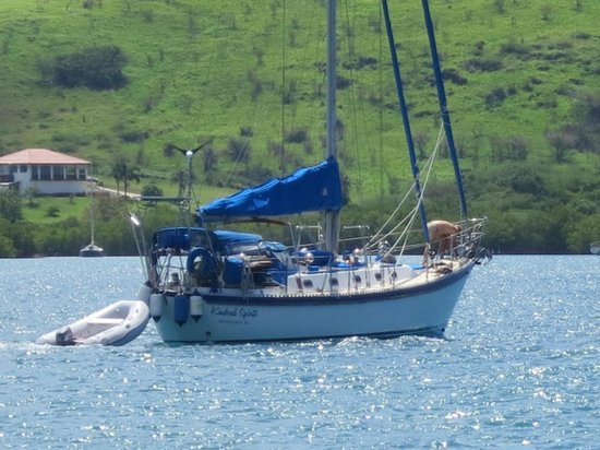 Club Seabourne: Sailboat leaving...