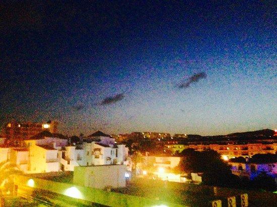 VIK Gran Hotel Costa del Sol : Nightview over montain