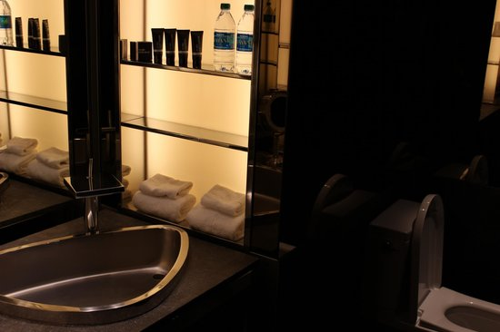 SLS Hotel, A Luxury Collection Hotel, Beverly Hills: SLS Bev Hills- Bathroom