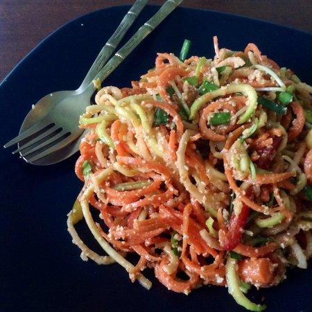 Giva Organic Vegan Raw Food & Drink : Raw pad thai at Giva Vegan