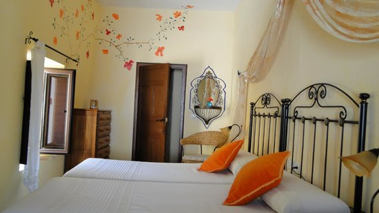 Baraka Boutique Pension: Lovely decorated room