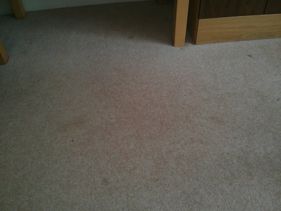 Castle Dargan: bedroom carpet