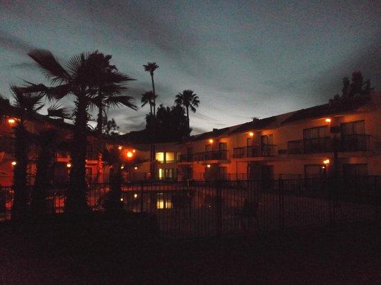 Quality Inn: Coucher de soleil