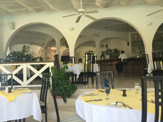 Anacaona Boutique Hotel: Reception from Firefly Restaurant
