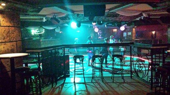 Hotel Apartamentos Pyr Fuengirola: En kveld på byen :)