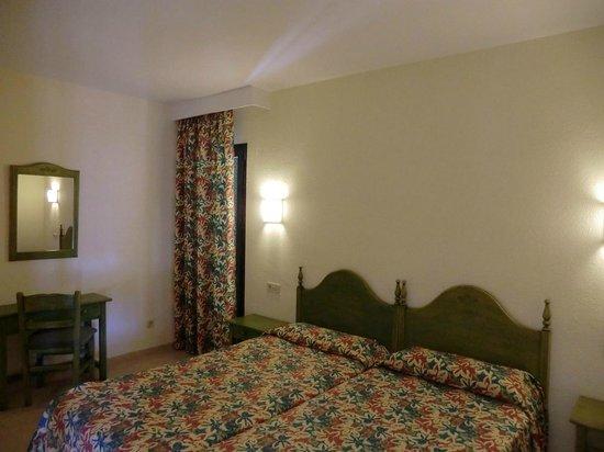 Protur Floriana Resort: Schlafzimmer