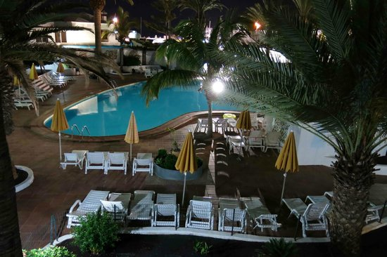 LABRANDA Playa Club : View from balcony at night