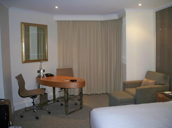 Hyatt Regency Perth : spacious room