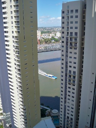 Meriton Serviced Apartments Brisbane on Adelaide Street: Brisbane river