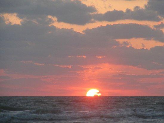 Captiva Beach Resort: Beautiful Sunset on Siesta Key