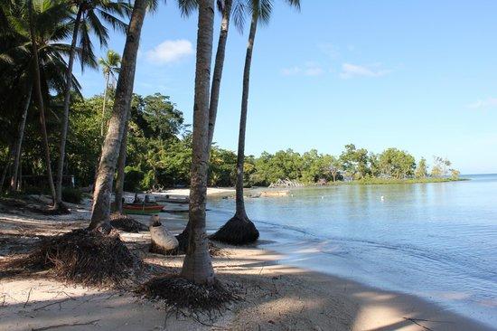Mimpi Indah Resort: La plage du village de pêcheur, qui se mérite après 1h de piste