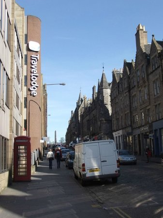 Travelodge Edinburgh Central: St Mary's street from below the Travelodge.