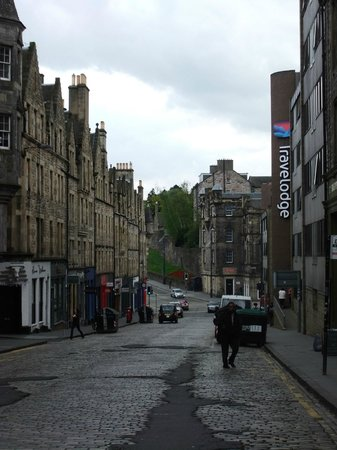 Travelodge Edinburgh Central: Looking from the Royal Mile down St Mary's St to the Travelodge.