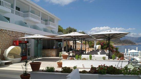 Megisti Hotel: Бар отеля